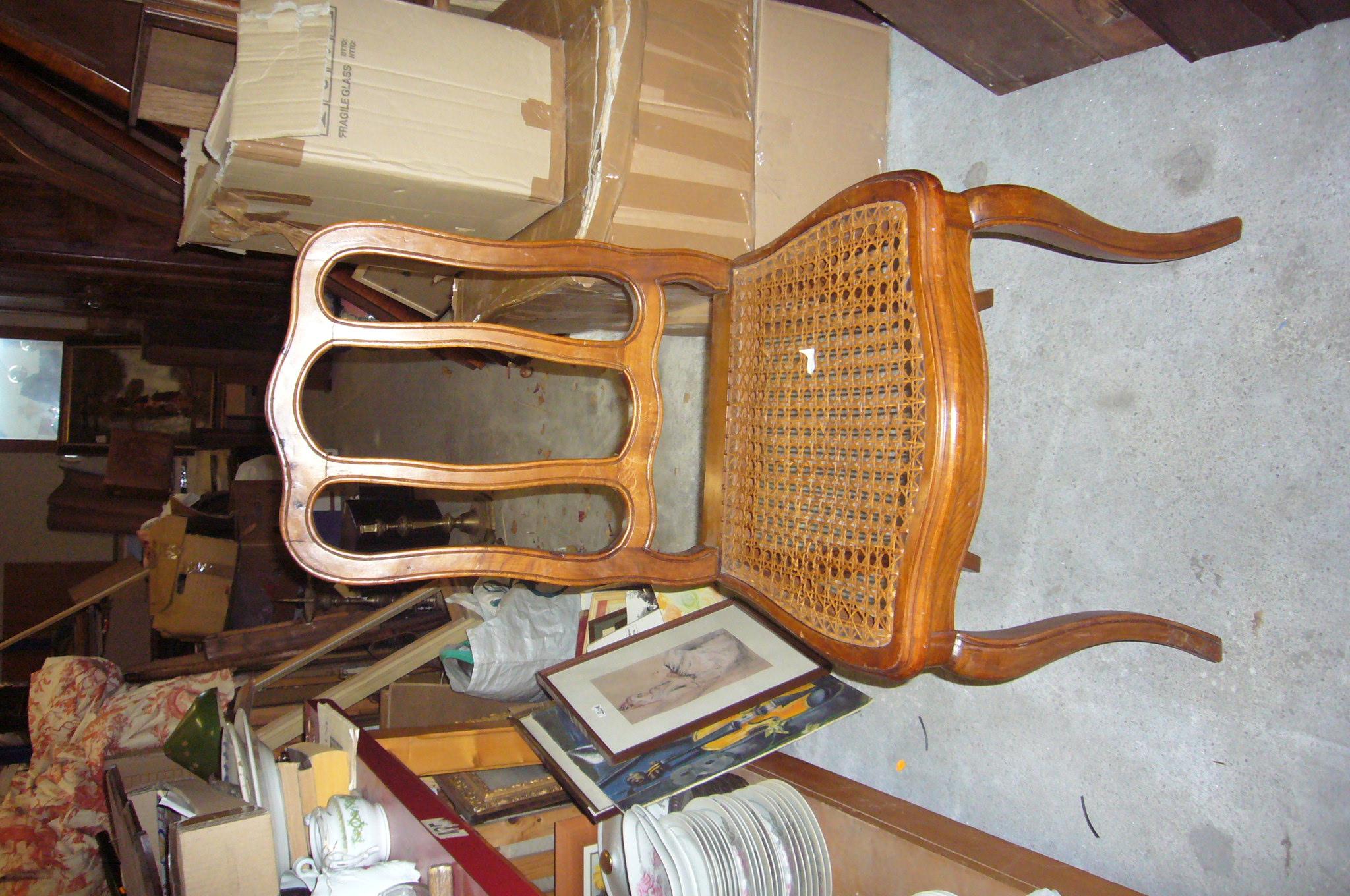 lot de chaises de style occasion a moins de 50 maxines. Black Bedroom Furniture Sets. Home Design Ideas